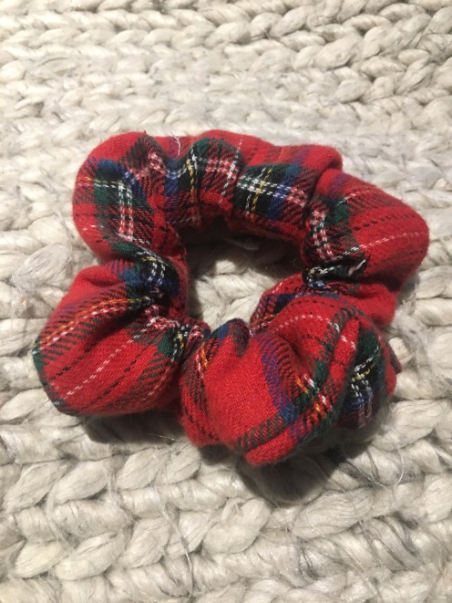 6. Your hair scrunchy is ready!